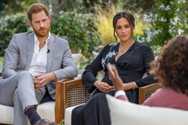 Princ Harry shkruan libër për jetën në mbretëri