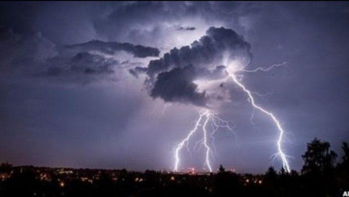 Paralajmërimi/ Mot i keq në Shqipëri ditët në vijim, kujdes nga rrufetë dhe stuhitë