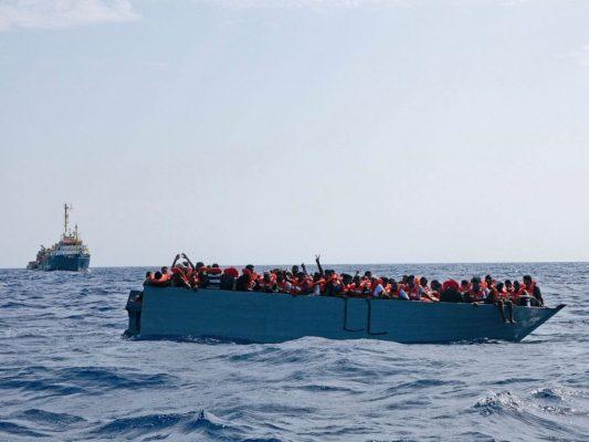 Shpëtohen qindra emigrantë në Mesdhe