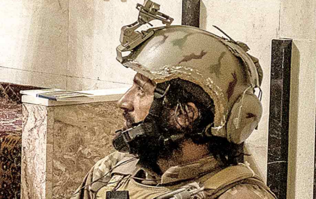 Talebanët, të veshur si marinsa amerikanë