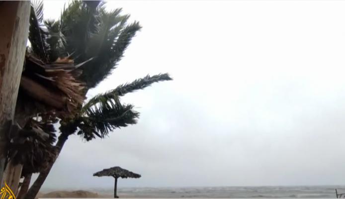 """Uragani """"Ida"""" afrohet në SHBA/ Stuhia e fuqishme largon njerëzit, priten shkatërrime"""