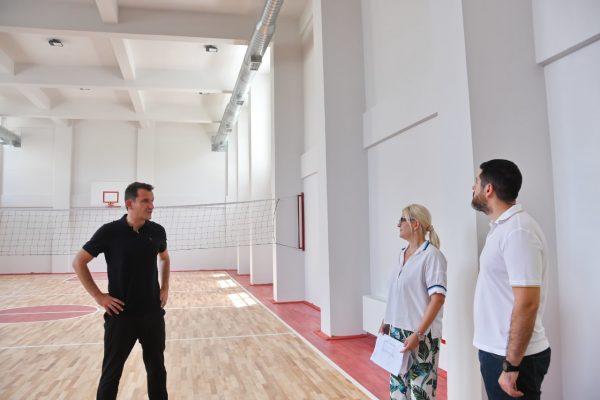"""Shkolla 9-vjeçare """"Murat Toptani"""" në Selitë gati për 360 nxënës në shtator, Veliaj: Në shtator, gati 10 shkolla të reja për nxënësit"""