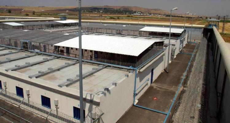 6 të dënuar arratisen nga burgu i sigurisë së lartë përmes një tuneli