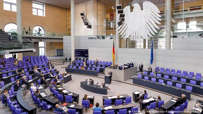 DW: Në politikën gjermane nuk përfaqësohen sa duhet migrantët