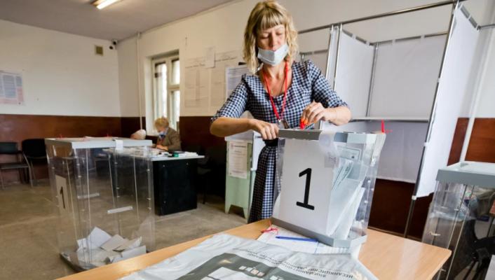 Dyshime për mashtrime në ditën e dytë të zgjedhjeve në Rusi