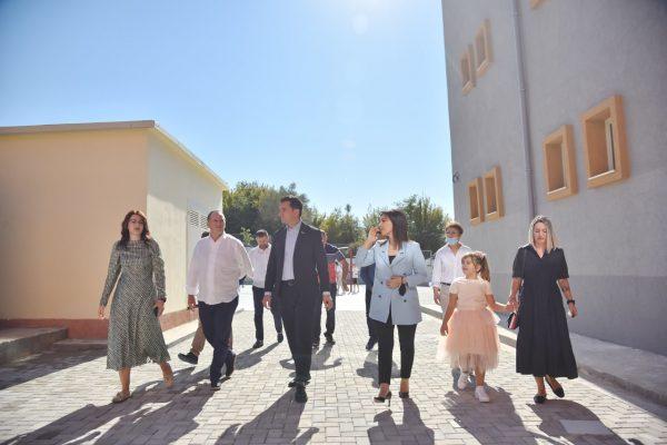 Inaugurohet shkolla e re në Petrelë/ Veliaj: Në 101 vjet kryeqytet nuk kemi hapur kaq shumë shkolla brenda 1 viti