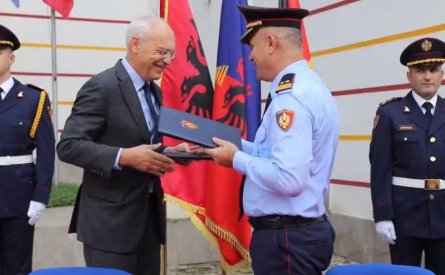 Policia Federale gjermane dhuron 14 automjete dhe 3 sete Smartdec, për strukturat e Policisë së Shtetit