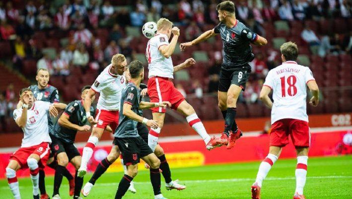 """Shqipëria mundet nga Polonia, skuadra e Lewandowskit """"turpëron"""" mbrojtjen kuqezi"""