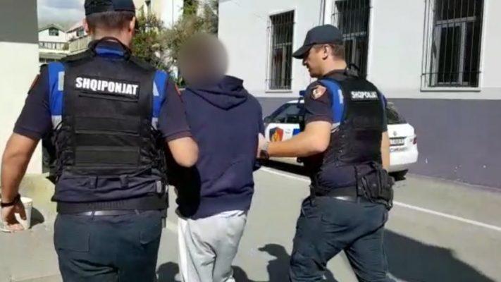 Nuk iu bind urdhërit të policisë dhe u kap me lëndë narkotike/ Arrestohet 29 vjeçari në Devoll