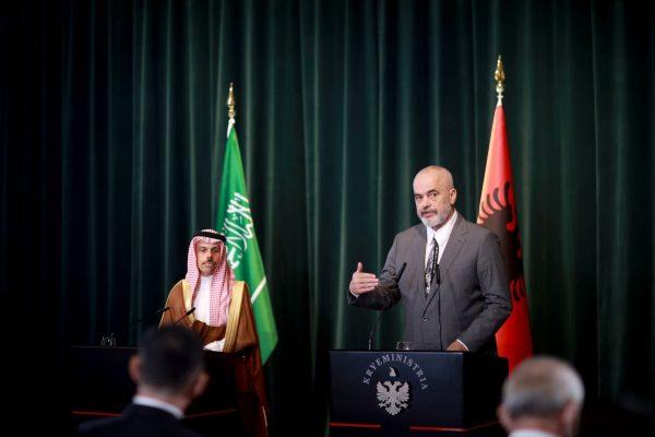 Rama pret ministrin e Jashtëm të Arabisë Saudite: Loboni që Kosova të njihet si shtet i pavarur