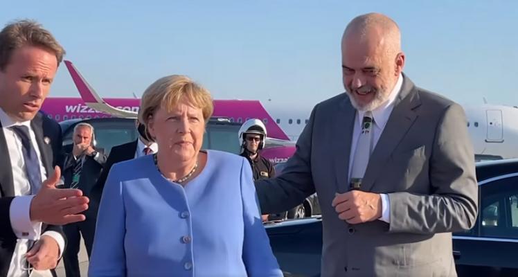 Rama përcjell Merkelin në aeroport: Shpresojmë të na vizitosh edhe kur të mos jesh më kancelare