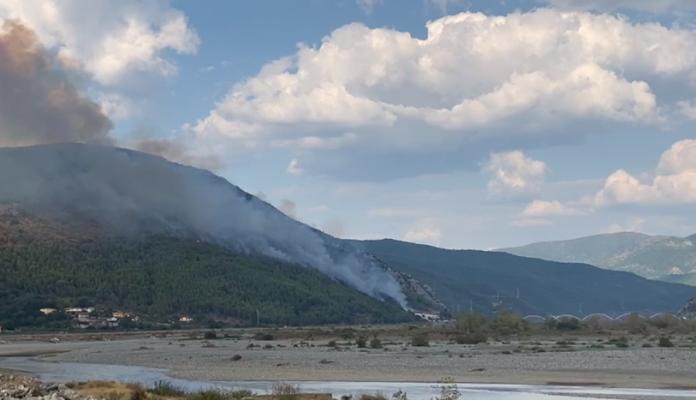 Zjarr i madh në Lezhë