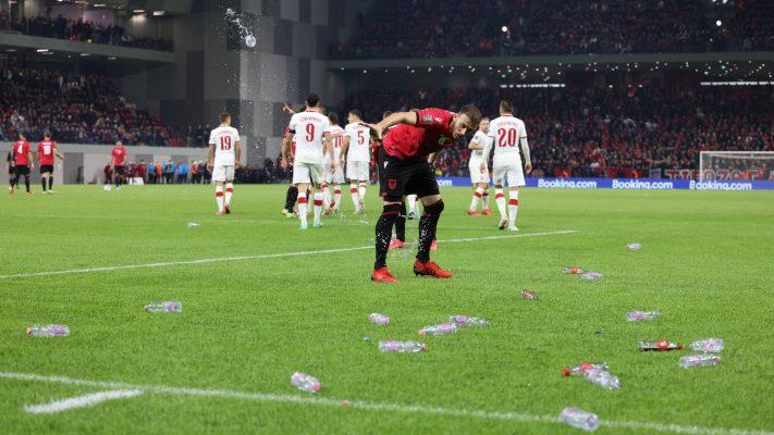 Incidentet në ndeshjen me Poloninë, FIFA dënon Shqipërinë
