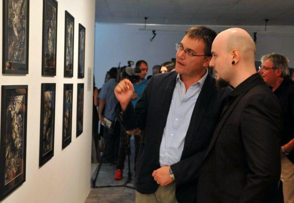 Covid i merr jetën në moshën 30-vjeçare piktorit të njohur shqiptar