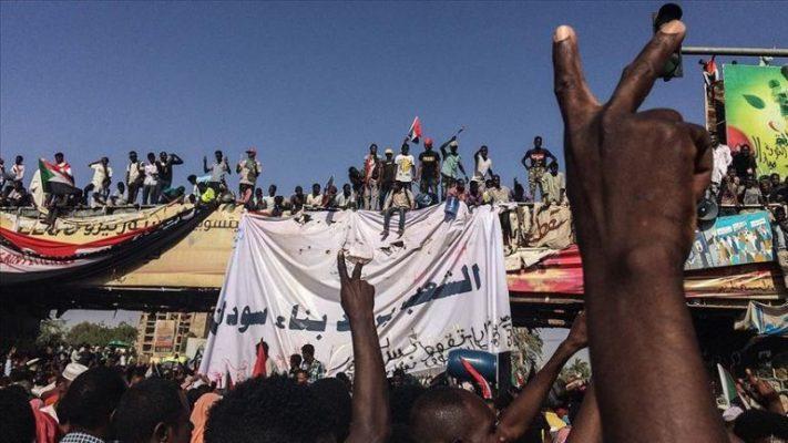 Grusht shteti në Sudan/ Arrestohet kryeministri dhe anëtarët e kabinetit qeveritar