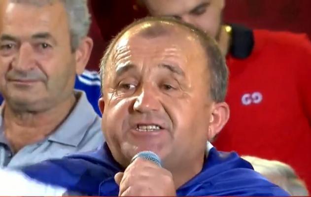 """""""Kam qarë si fëmijë kur ike""""/ Demokrati në foltoren e Berishës në Shkodër: Do vritem unë për ty!"""