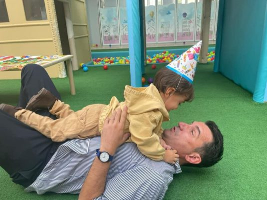 Kajan feston ditëlindjen, Veliaj ndan foton e ëmbël me të birin: 3 vitet më të bukura të jetës