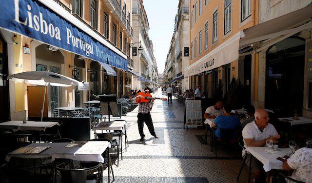 Portugalia heq të gjitha kufizimet kundër Covid