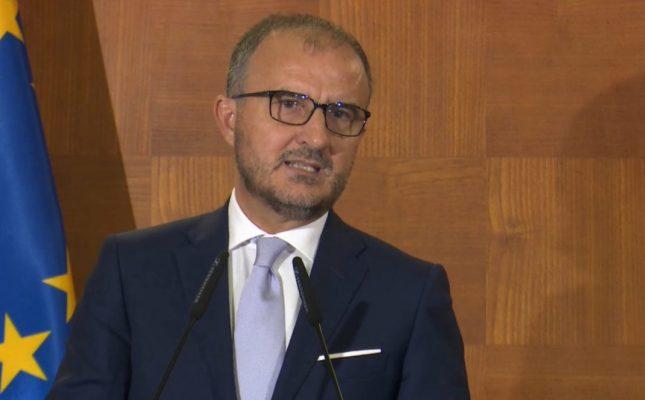 Soreca i dorëzon Ramës progres-raportin e KE: Shqipëria i plotësuar kushtet! Konferenca të mbahet sa më shpej