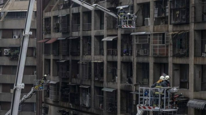 46 të vdekur nga zjarri që përfshiu një ndërtesë në Tajvan