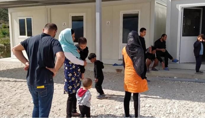 Plas sherri mes çiftit afgan në Shëngjin/ Gruaja plagos me thikë bashkëjetuesin e saj