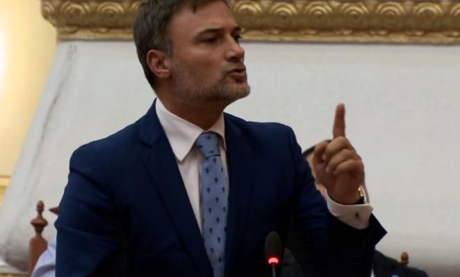 Alibeaj debate të ashpra me Ahmetajn: Kur do shkosh në SPAK për 120 milion eurot që bleve votat