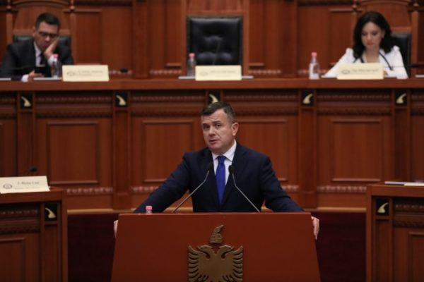 """""""Opozita është kthyer në jetën e dobishme parlamentare""""/ Balla: Dialogu politik konstruktiv i nevojshëm për vendin"""