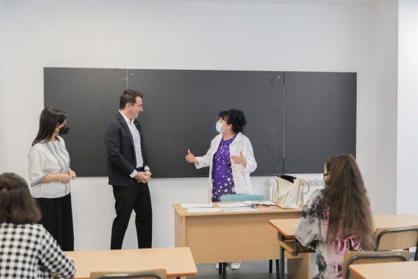 """Inaugurohet shkolla e re 9-vjeçare """"Hasan Vogli"""" në Tiranë, Veliaj: """"Po krijojmë kudo të njëjtin standard"""""""