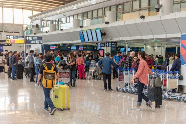 Masat kundër COVID/ Rregullat e reja për shqiptarët që duan të udhëtojnë drejt Italisë