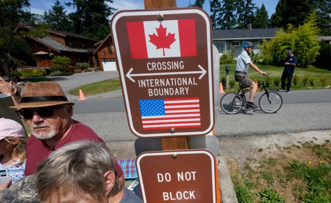 SHBA do të hapë kufijtë tokësorë me Kanadanë dhe Meksikën