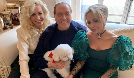 """Kjo është deputetja 54 vjet më e re që i ka marrë """"mendjen"""" Silvio Berlusconit"""