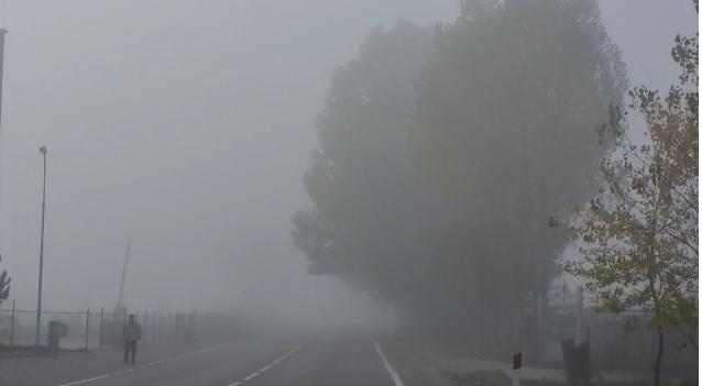 """Korça zgjohet me mjegull/ Policia """"zbarkon"""" në terren: Ulni shpejtësinë"""