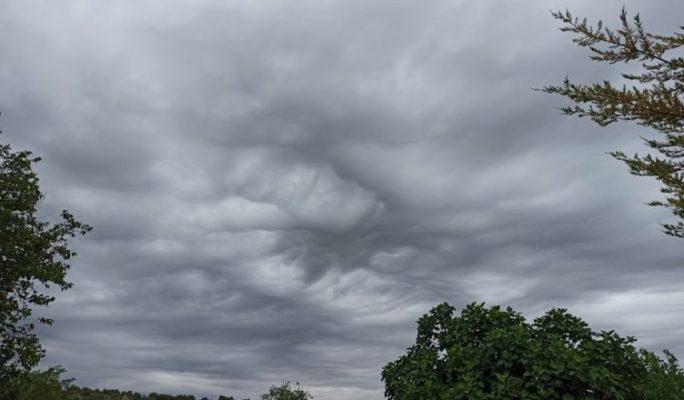 Vranësira dhe reshje shiu/ Parashikimi i motit për ditën e enjte