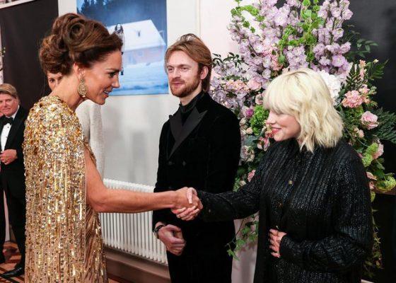 Një listë e gjatë rregullash, këngëtarja tregon si ishte takimi me familjen mbretërore