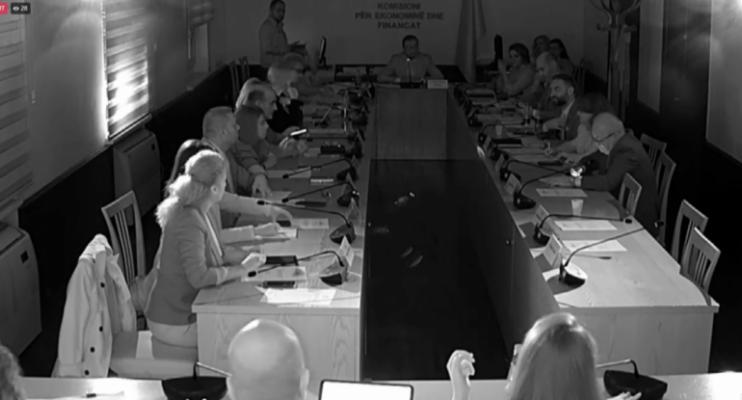 Ndërprerja e energjisë elektrike/ OSHEE sqaron incidentin te Kuvendi