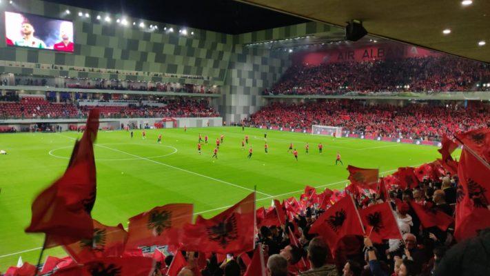 """22 mijë tifozë për të """"çuar"""" Shqipërinë në play-off/ Super mbështetje kundër Polonisë"""
