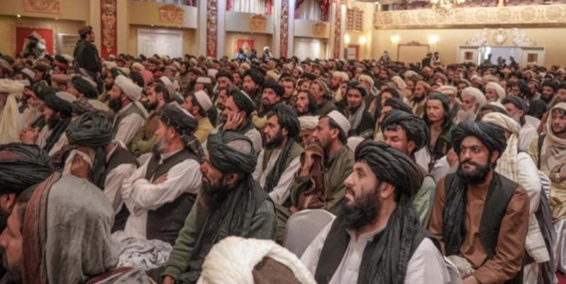 Ministri taliban lavdëron sulmuesit vetëvrasës, iu premton toka familjarëve