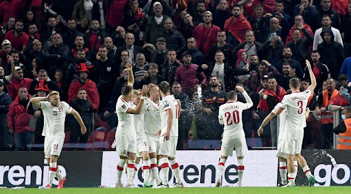 FIFA i quan të neveritshme incidentet në Shqipëri-Poloni: Zero tolerancë…